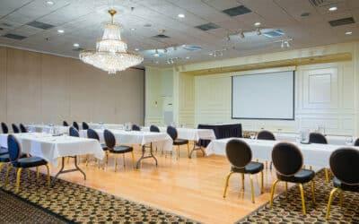 Quels sont les avantages d'organiser un séminaire, une réunion ou une conférence dans un hôtel?