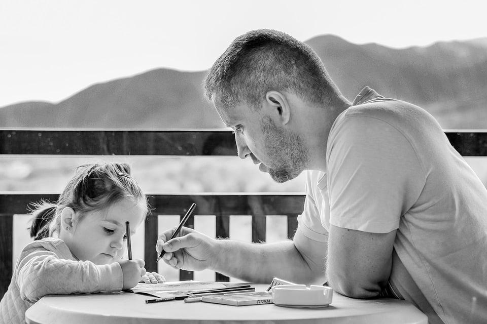 Comment effectuer une contestation de paternité, et qui peut engager cette action?