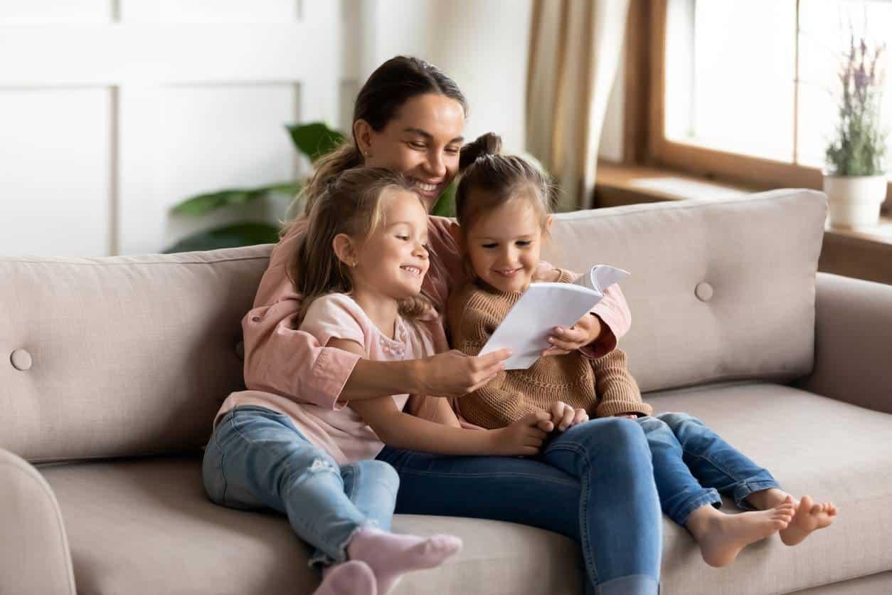 nounou garde d'enfants à domicile